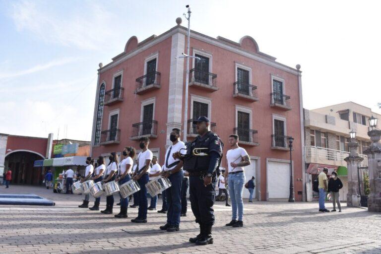 Conmemoran el 211 Aniversario del inicio de la Independencia de México.